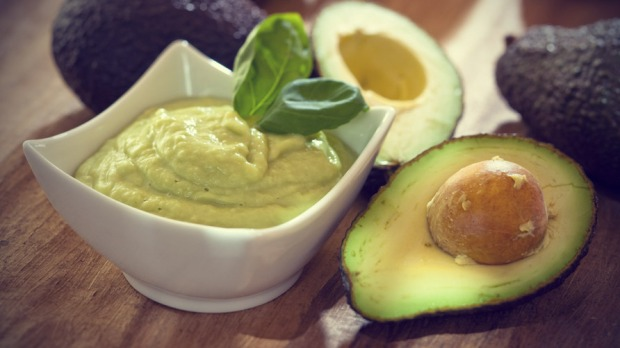 Avocado-Hair-Mask-for-Dry-Hair1 (1)